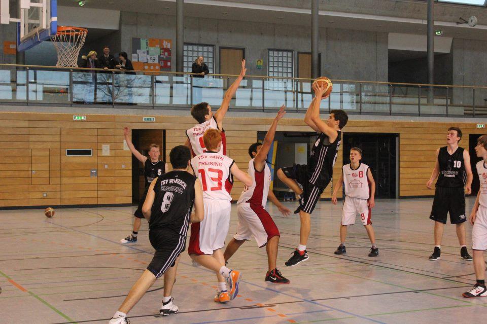 Die Vorbereitung in der 1. Mannschaft zahlte sich aus. Leo Biersack steuerte wichtige Punkte zum Sieg gegen den TSV Etting bei.